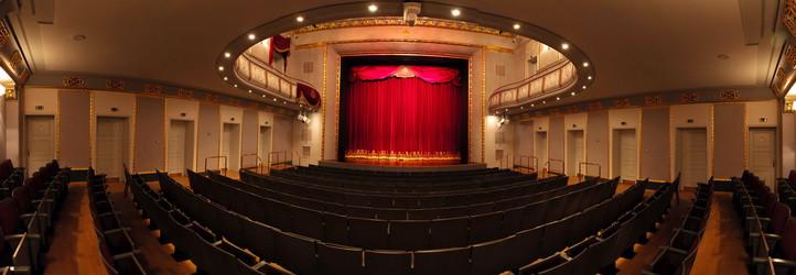 Veranstaltungsimpression eines Orchesters im König Albert Theater